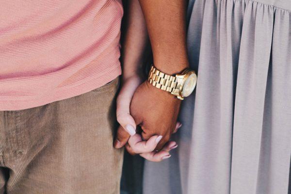 قدرت دو دست، داستانی درباره روابط انسانها