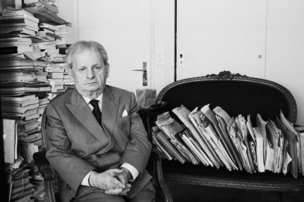 امانوئل لویناس (۱۹۹۵ _ ۱۹۰۶) فیلسوف فرانسوى