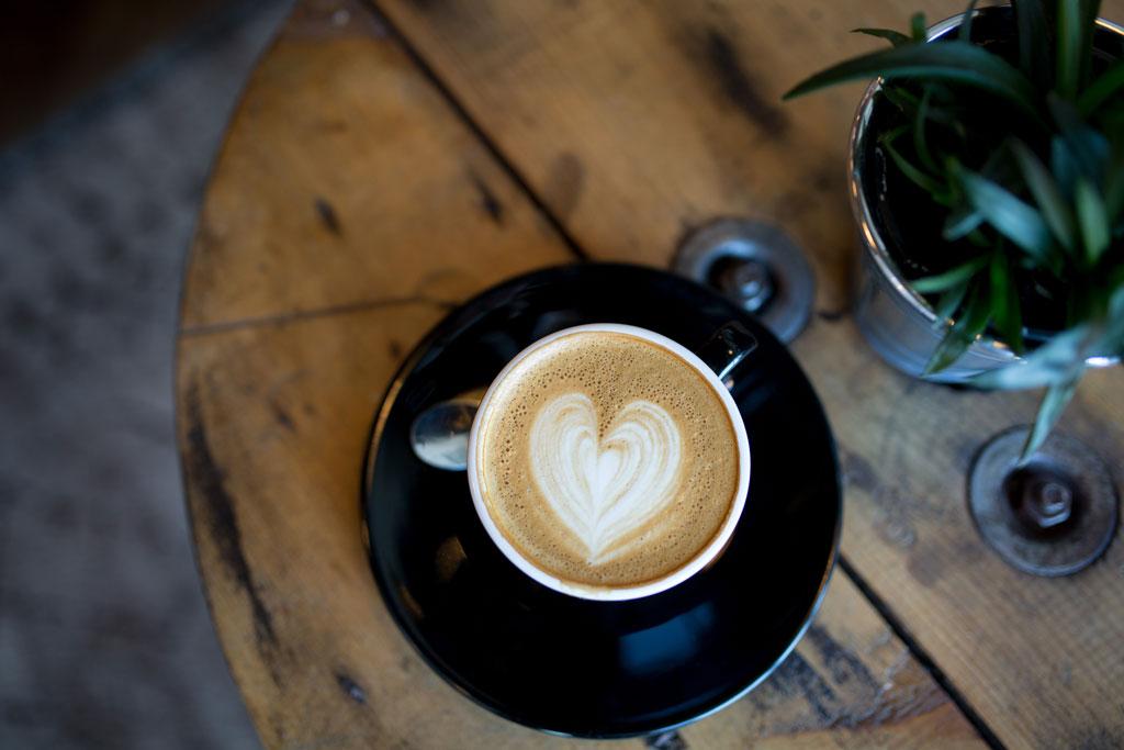از قهوه خانه تا باشگاه
