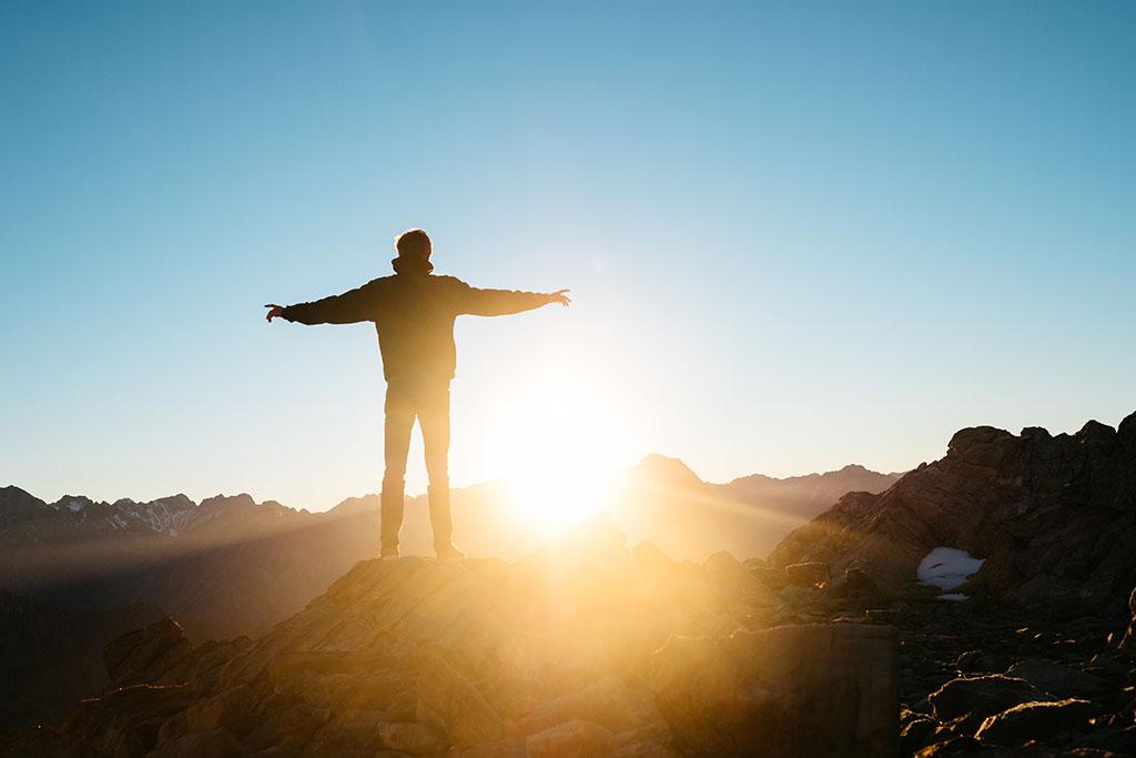 راه های افزایش هوش هیجانی (10 راهکار کاربردی برای موفقیت در زندگی)